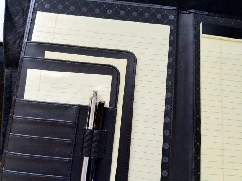 オフィス・デポの「FORAY リーガルパッドホルダー」のレターサイズをレビュー